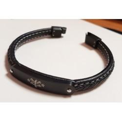 Bracelet en cuir fin noir avec plaque gravée & signe